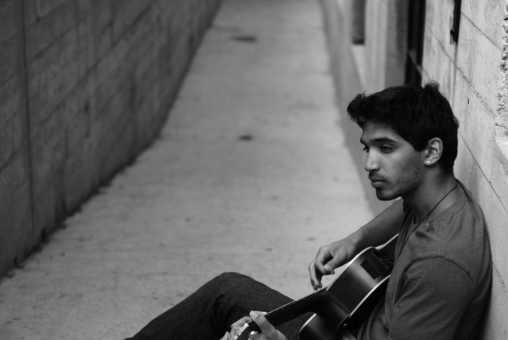"""AXEL MANSOOR: """"The Inside Voices"""" Will Submerse You With Pure Emotion"""