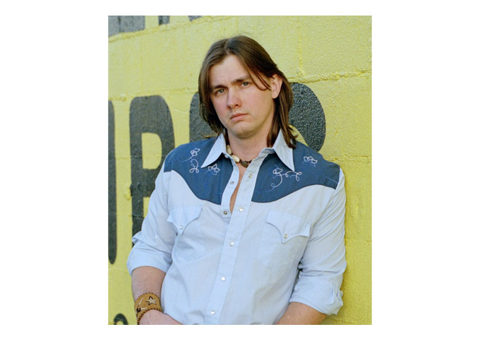"""Trent Holloway: """"Tonky Honk,"""" From Traditional Country To Country-Rock"""
