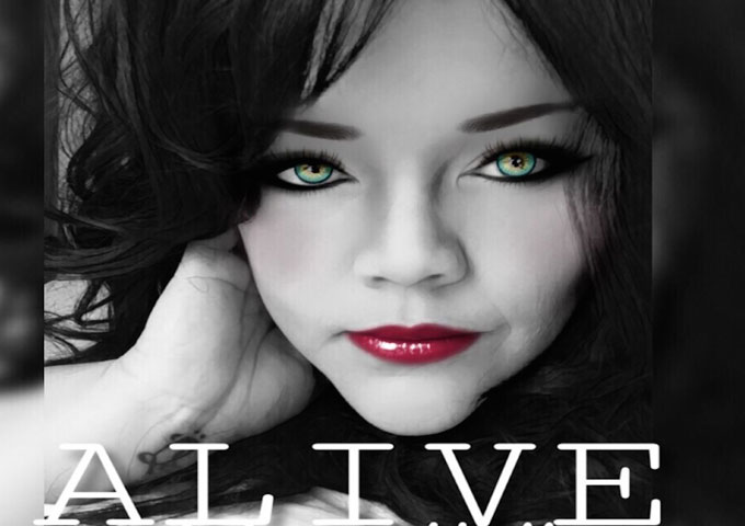 """Julian Kelly: """"Alive"""" – Her language is at once colloquial and complex"""