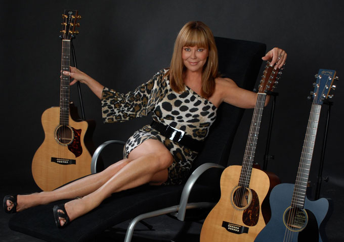 """Lynne Taylor Donovan: """"I Don't Wanna Mention Any Names"""" – an emotionally resonant song"""
