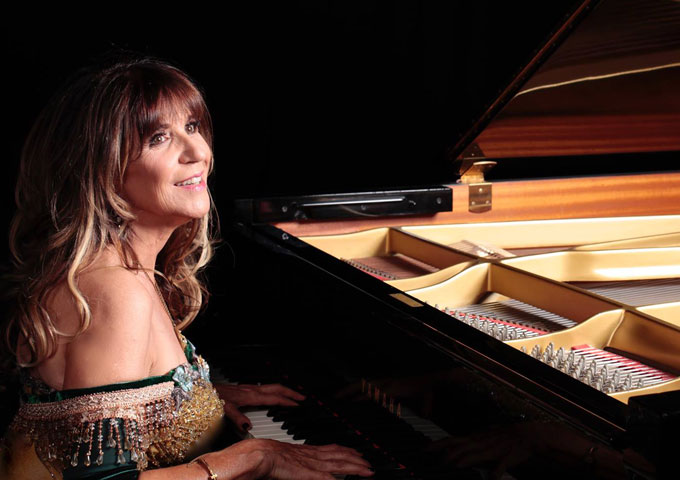 "Pauline Frechette: ""Always Lover"" (feat. David) works its magic"