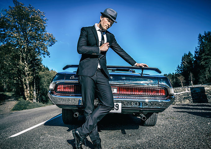 """Andreas Pareli: """"By The Spell"""" – high-class, smooth pop with broad appeal"""