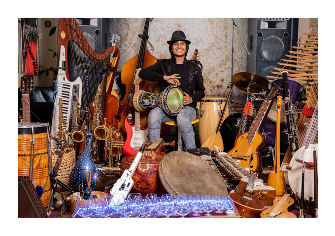 Meet Neil Nayyar: With 107 instruments is the ultimate musical prodigy and multi-instrumentalist