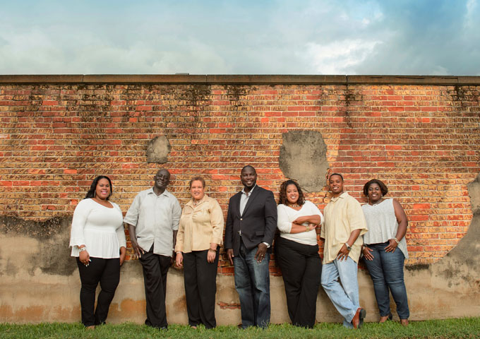 """Anthony Nelson & The Overcomers: """"Born in Bethlehem"""" – catches your attention from the very first bar!"""