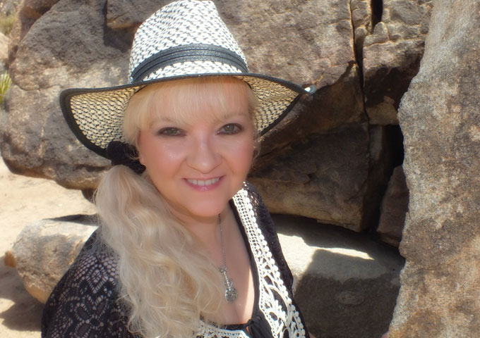 Luanne Hunt: 'Texas Tears' – exactly what country radio needs!