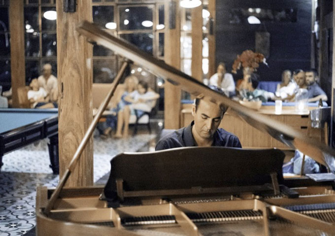 "Arash Behzadi: ""The Last Sigh"" – a wonderful sense of dynamics and timing"
